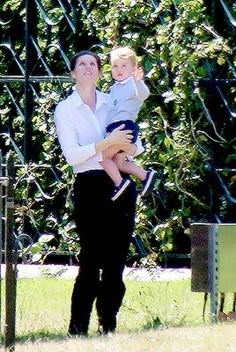 June 2015 ~ Prince George of Cambridge with his nanny, Maria Prince William Family, Kate Middleton Prince William, Prince William And Catherine, Princess Katherine, Princess Kate, Princess Charlotte, Duchess Kate, Duchess Of Cambridge, Diana Williams
