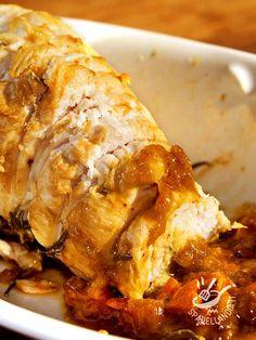Il Tacchino con cipolle è un secondo di carne gustosissimo, dal sapore delicato e agrodolce. Insaporito con un'emulsione di aceto balsamico e miele. Fett, Ricotta, Lasagna, Spices, Pork, Turkey, Cooking, Ethnic Recipes, Collage