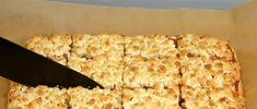 Prăjitură cu aluat răzuit și dulceață! - Pentru Ea Krispie Treats, Rice Krispies, Bread, Desserts, Food, Tailgate Desserts, Deserts, Brot, Essen