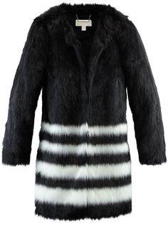 Pin for Later: Diese Fake Fur Jacken und Westen kann man mit gutem Gewissen tragen  MICHAEL Michael Kors Fake Pelzmantel mit Streifenmuster (359 €)