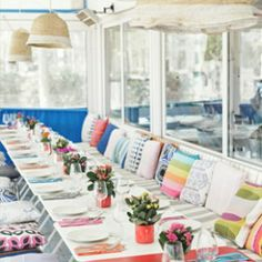 Hoy en el blog os cuento cómo fue el brunch marinero que organizó Tendencias de Bodas en Barcelona. La mejor manera de hacer del martes un domingo!  http://www.unabodaoriginal.es/blog/donde-como-y-cuando/decoracion/presentacion-tendencias-de-bodas-en-bcn