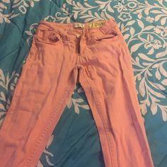 Indigo Rein Jeans Light Pink Indigo Rein Jeans, no discoloration, no stretching and no loose strings. Indigo Rein Jeans Skinny