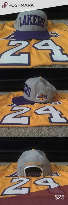 Mitchell   Ness Lakers SnapBack Mitchell   Ness Lakers SnapBack. Worn 2-3  times 04aa86fe8444
