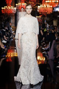 Elie Saab 2014 - Paris Fashion Week Amazing dress! Check out more on my blog www.frofroulebleu.com :-)