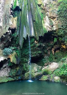 Akchour Waterfall, as cachoeiras de Akchour, com águas verdes esmeralda. Impressionante!: