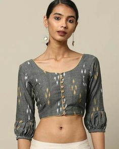 kalamkari & cotton print pattern blouse to try this summer 2020 . Try this look at SM Studio Now try this different looks of kalamkari, ikat print blouse for all those sunn… Cotton Saree Blouse Designs, Stylish Blouse Design, Fancy Blouse Designs, Blouse Patterns, Pattern Blouses For Sarees, Latest Saree Blouse Designs, Choli Designs, Blouse Styles, Sleeves Designs For Dresses