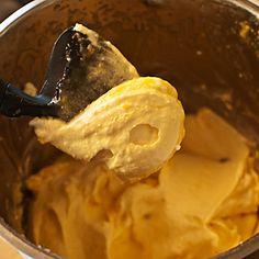 Os traemos hoy otra fórmula muy sencilla para preparar helados de forma rápida y con todo el control de los ingredientes de la receta. En el caso de este helado con queso mascarpone y melocotón con Thermomix, la base cremosa la aporta el queso, a la que se añade el sabor de la fruta que …