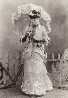 Unknown actress. Mids 1880s