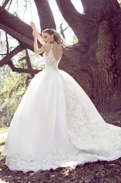 Timeless YSA Makino Wedding Dresses - Be Modish - Be Modish