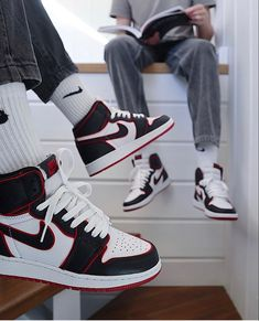 Dr Shoes, Cute Nike Shoes, Swag Shoes, Nike Air Shoes, Hype Shoes, Shoes Sneakers, Jordans Sneakers, Sneakers Sale, Summer Sneakers