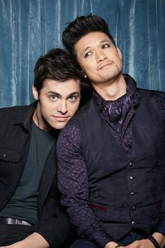 Magnus and Alec — raphaellewis: Exclusive Malec Photo Booth . Cassandra Clare, Shadowhunters Tv Series, Shadowhunters The Mortal Instruments, Alec Lightwood, Jace Wayland, Magnus E Alec, Hush Hush, Shadow Hunters Cast, Clary Et Jace