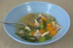 Hühnernudelsuppe mit Suppenhuhn - Katha-kocht!