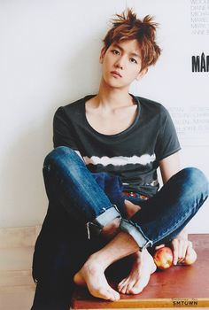 Baekhyun is 18 years old and has lots of friends. His best friends are Tao, Luhan, Suho, Kris, and Kai. Chanyeol Baekhyun, Exo K, Baekhyun Fanart, Chanbaek, Saranghae, K Pop, Singin In The Rain, Kim Minseok, Exo Members