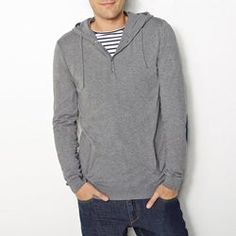 Pull capuche, manches longues