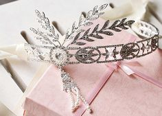 Cheap tiara gold, Buy Quality tiara blue directly from China tiara baby Suppliers: Hot Sale New Arrival Fashion Wedding headdress White Feather Flower Veil Beautiful bride headdress Wedding Veil Top Qual Gatsby Accessories, Silver Accessories, Wedding Hair Accessories, Flapper Headband, Pearl Headband, Wedding Headdress, Wedding Veil, Flower Veil, Vintage Headpiece