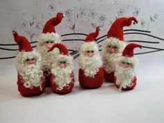 Needle felted Roly-Poly Santa with long flowing beard, Santa felted figure, needle feltedsanta, felt Claus, Ready to mail for Christmas - Nadelfilzen Ideen Wool Needle Felting, Needle Felting Tutorials, Needle Felted Animals, Nuno Felting, Felt Animals, Needle Felted Ornaments, Christmas Needle Felting, Felt Animal Patterns, Felt Christmas Ornaments