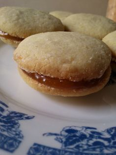 H μάνα του ... λόχου: Cookies λεμονιού με lemon curd και κέρασμα