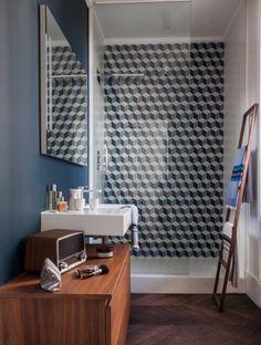 Jolis motifs des carreaux pour relooker le mur dans la douche