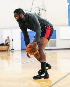 James Harden Spotted In The adidas Harden Vol 4 Football And Basketball, Basketball Players, College Football, Houston Rockets, James Harden Shoes, Baskets, Women Volleyball, Team 7, Adidas