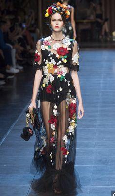 Dolce & Gabbana SPRING/SUMMER 2016 READY-TO-WEAR