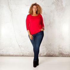Het Venetian shirt heeft een prettig aansluitende slim fit pasvorm waarmee het geschikt is om op vele manieren te dragen. U kunt het shirt met driekwa... Bekijk op http://www.grotematenwebshop.nl/product/shirt-venetian-van-x-two-voor-vrouwen-met-grote-maten-5/
