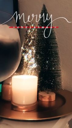 27 Amazing Christmas Accessories to Decorate Your Home for the Holidays - The Trending House Merry Christmas Photos, Christmas Pictures, Christmas Videos, Christmas Christmas, Story Instagram, Instagram And Snapchat, Christmas Story Quotes, Applis Photo, Christmas Feeling