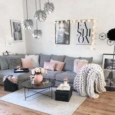 Living Room Inspo ✨ The home of . - Living Room Inspo ✨ The home of . - Your bedroom flooring is actually important. Blush Pink Living Room, Pastel Living Room, Glam Living Room, Living Room Decor Cozy, Living Room Carpet, Gray Couch Living Room, Style Deco, Apartment Living, Cozy Apartment