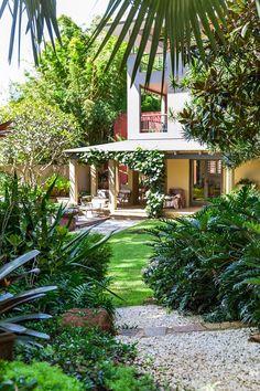 ✔️ Fun Backyard Landscaping Idea How About An Exotic, Tropical Backyard Resort 92 Tropical Garden Design, Tropical Backyard, Tropical Landscaping, Backyard Landscaping, Fun Backyard, Landscaping Ideas, Australian Garden Design, Australian Native Garden, Australian Bush
