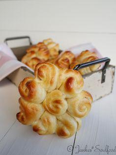 Hefegebäck mit Butter von Jankes Soulfood