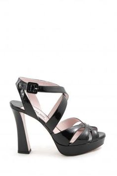 3c576ca35529 miu miu shoes - Sandal made of patent leather in black color with plateaux  and heel