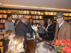 O evento de lançamento do livro, na Livraria da Vila, teve muitos convidados.