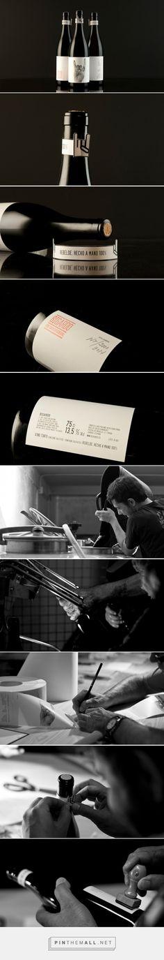 Rebel from Toro wine packaging deisgned by Javier Garduño Estudio de Diseño - http://www.packagingoftheworld.com/2015/08/bigardo-rebel-from-toro.html