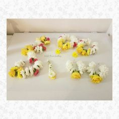 Fresh flower jewellery by bridal Flower Jewellery www.bridalflowerjewellery.com #bridalflowerjewellery #mehndi #mehndijewellery #mehndiflowers