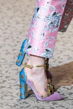 Dolce & Gabbana at Milan Fashion Week Fall 2018 - Details Runway Photos Cute Shoes, Me Too Shoes, Autumn Fashion 2018, Louboutin, Mode Inspiration, Crazy Shoes, Mode Outfits, Mode Style, Beautiful Shoes