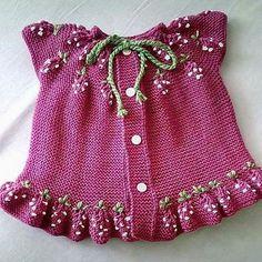 Ideas For Crochet Kids Vest Sweets - Örgü Modelleri ve Örgü Örnekleri Knitting For Kids, Crochet For Kids, Baby Knitting, Crochet Baby, Knit Crochet, Crochet Top Outfit, Crochet Jacket, Crochet Cardigan, Baby Cardigan