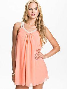 V Pearl Strap Chiffon Dress - Club L - Blush - Juhlamekot - Vaatteet - Nainen - Nelly.com