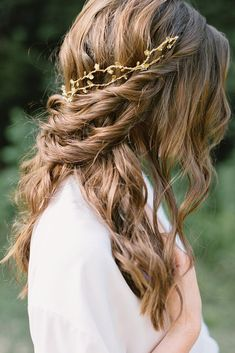 30 Bridal Hair Accessories Wich Look Perfect ❤ bridal hair accessories to inspire hairstyle loose swept hair with golden branches in rustic style samoffit via instagram ❤ See more: http://www.weddingforward.com/bridal-hair-accessories-to-inspire-hairstyle/ #weddingforward #wedding #bride #weddinghairstyles #bridalhairaccessories