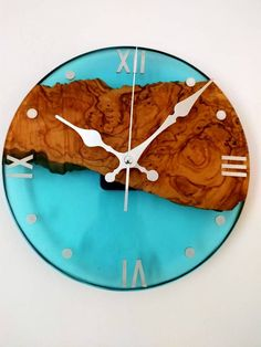 Epoxy Table Top, Resin Table, Cool Clocks, Unique Wall Clocks, Epoxy Resin Wood, Resin Art, Wooden Clock, Wooden Walls, Resin Crafts