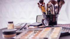 (P) Demachierea potrivită în 5 pași-tot ce trebuie să știi Makeup Routine, Makeup Kit, Diy Makeup, Makeup Tools, Makeup Brushes, Makeup Artists, Makeup Basics, Free Makeup, Makeup Ideas