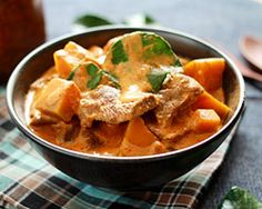Thai Panang Curry with Beef | Easy Asian Recipes at RasaMalaysia.com