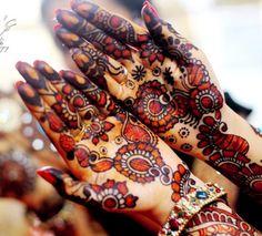 Eid Mehndi Designs 2014 by Uroos Eid Mehndi Designs, Mehndi Designs For Girls, Stylish Mehndi Designs, Latest Mehndi Designs, Mehndi Tattoo, Henna Mehndi, Mehendi, Pakistani Mehndi, Pakistani Couture