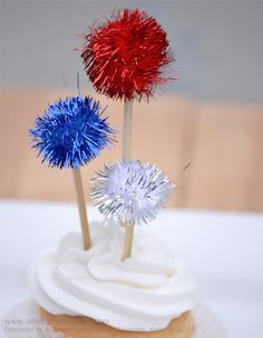 Simple 4th of July Cupcake Toppers