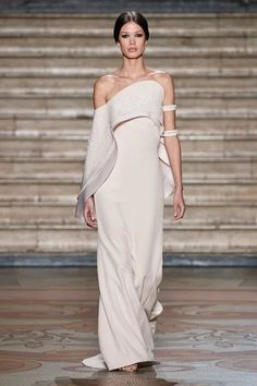Antonio Grimaldi Spring 2020 Couture Fashion Show - Sponsored : Antonio Grimaldi Spring 2020 Couture Collection - Sponsored - Vogue Vogue Fashion, Fashion 2020, Runway Fashion, Fashion Brands, High Fashion, Fashion Show, Fashion Outfits, Fashion Design, Fashion Goth