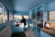 Mobiles Blockhaus-Buero   log house office on wheels