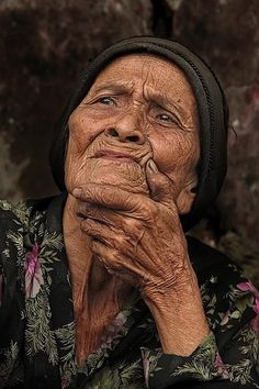 Photo dreaming by Ksatria Ginggie on Sketches Of People, Drawing People, Beautiful Children, Beautiful People, Amazing Photography, Portrait Photography, Photo Dream, Old Portraits, Old Folks