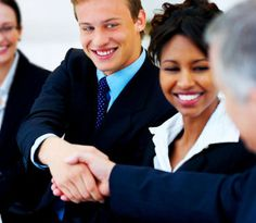 Networking - Have a Goal: Some do it with ease while others cringe. Learn some networking tips that work and will make you look forward to meeting people. Think Big, Business Networking, Business News, Business Meeting, Business Advice, Times Business, Networking Events, Finance Business, Franchise Business