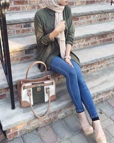 smart-chic-hijab-outfit- Smart casual hijab outfits http://www.justtrendygirls.com/smart-casual-hijab-outfits/