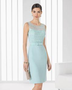Vestido de crepe y pedreria. Colección 2016 Rosa Clará Cocktail