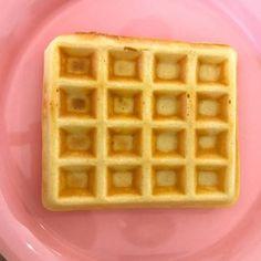 Macarons, Waffles, Breakfast, Food, Morning Coffee, Essen, Macaroons, Waffle, Meals