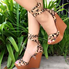 Fashionable Leopard Buckle Platform Wedge Sandals